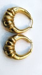 Lady hoop 10K earrings yellow Gold
