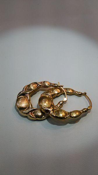 Women Hoop 10 K solid yellowgold earrings