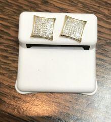 10kt yellow gold . .33 Ct White VS1 diamond earring