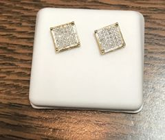 10kt yellow gold .25 Ct white VS1 diamond earring