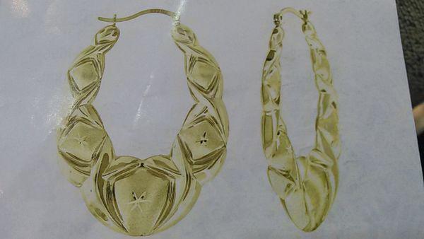 Lady hoop earrings solid yellow Gold 10 K ,.,.n
