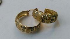 Women Hoop yellow Gold earrings 10 K