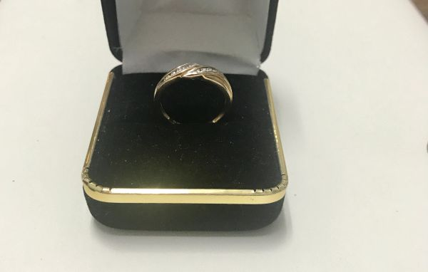 10KT Solid Yellow Gold, Real Diamond Lady Rings, E157