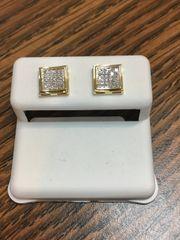 10KT Yellow Gold 0.15 Diamond Earring