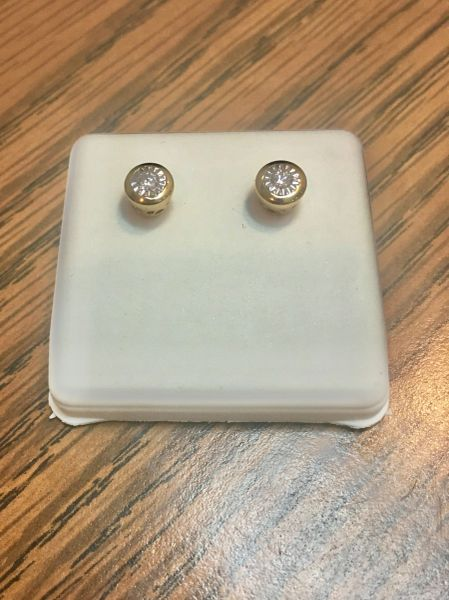 10KT Yellow Gold 1.10 CT Diamond