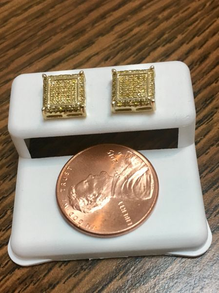 10KT Yellow Gold 0.19 CT Diamond Earring