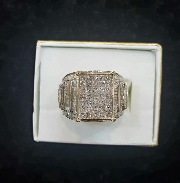 10KT Baguettes Diamond Ring