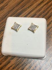10KT Yellow Gold 1.10 CT Princess Diamond Earring
