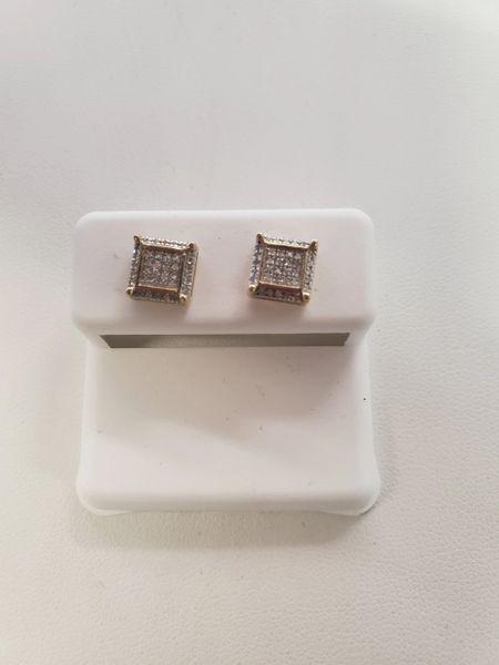 10 KT YG WITH REAL DIAMOND