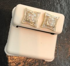 10kt solid yellow gold & real natural diamond earring