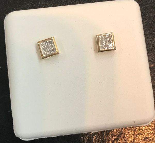 10kt solid yellow gold screw back diamond earring