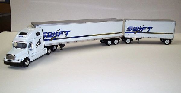 TONKIN Swift Transportation Freightliner Columbia & COLORADO Doubles 1/53