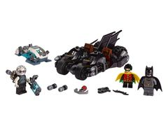 76118 Mr. Freeze™ Batcycle™ Battle