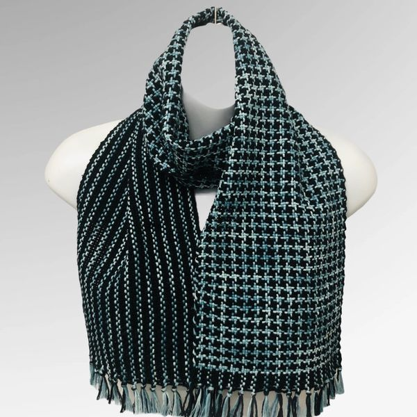 Handwoven Houndstooth Pattern Cotton Scarf
