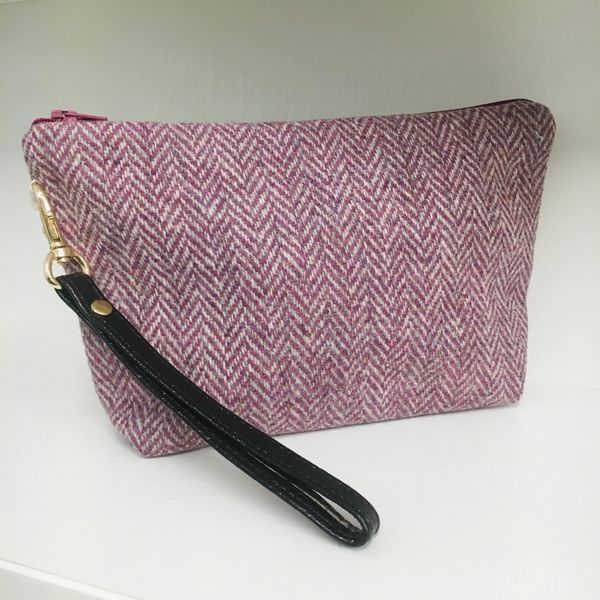 British Wool Tweed Cosmetic bag, lined with Linen & including detachable bow brooch