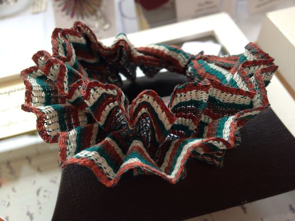 Kingfisher pleated cuff