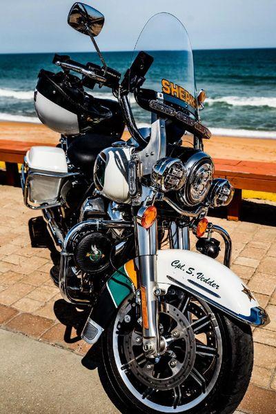 B13 - Harley Davidson Motors, Motorcycle Police Siren Cover