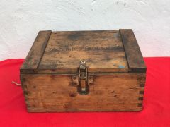 German wooden crate for 2 cartridge cases for the captured Russian M1938,12.2cm howitzer with original markings and internal racking found in Poland from 1944-1945 battles