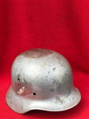 German soldiers M40 helmet overpainted reproduction decals,very solid smooth finnish size 62 with maker stamp found on a Brocante in Enidhoven from Operation market garden in 1944