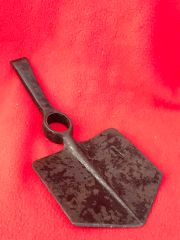 British soldiers maker marked dated 1943 Army issue shovel very nice condition found in Normandy from 1944 summer battlefield
