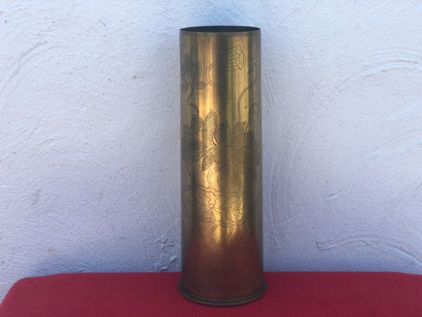British 18 pounder brass shell case trench art scratched flower design in very nice condition dated July 1917 found on the Somme battlefield of 1916-1918