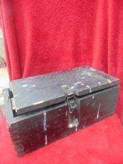 German wooden ammunition crate for 15cm shells for schwere Feldhaubitze 18 or sFH 18 found in the Ardennes