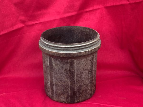 Bakelite carry case dated 1944 with maker markings for flash reducing charges for firing on the German 15cm SIG 33 artillery gun recovered in the woods around Bastogne from the Siege in the battle of the Bulge 1944