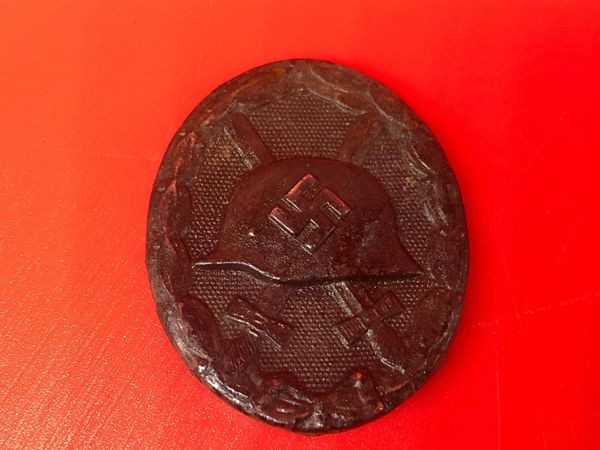 German soldiers wound badge in black medal fantastic condition semi-relic recovered in the Demyansk Pocket near Leningrad in Russia 1941-1942