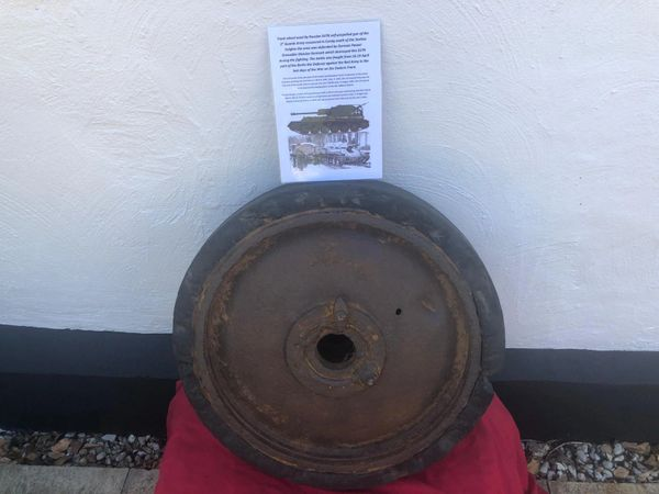 Track wheel, pretty much complete nice relic used by su76 self-propelled gun of the 1st Guards Army recovered at Carzig south of the Seelow Heights the battlefield of April 1945