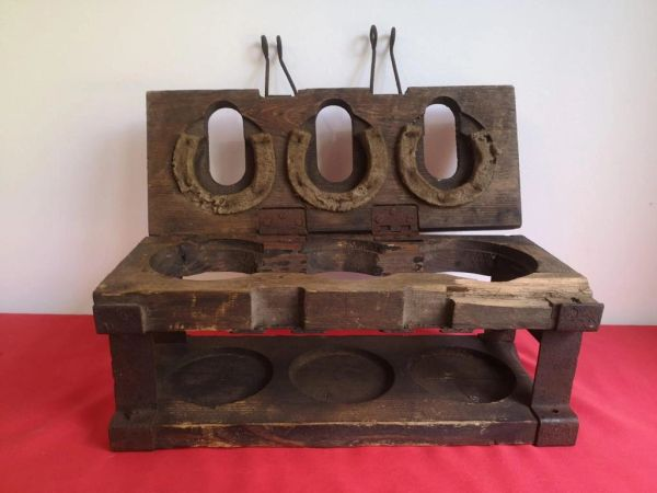 Very rare German S mine crate with some original paintwork and markings it was found in the 1980's on a farm in the area of St lo on the Normandy 1944 battlefield.
