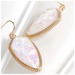 Piper Earrings - White