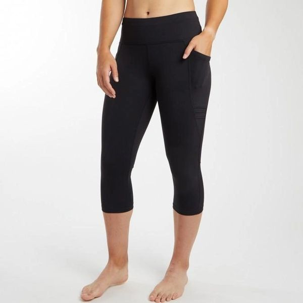 OISELLE TRIPLE THREAT CAPRIS - BLACK