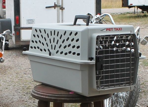 PetMate Pet Taxi /Kennel / Carrier-Small