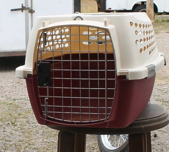 PetMate Pet Kennel / Carrier / Taxi-SMALL