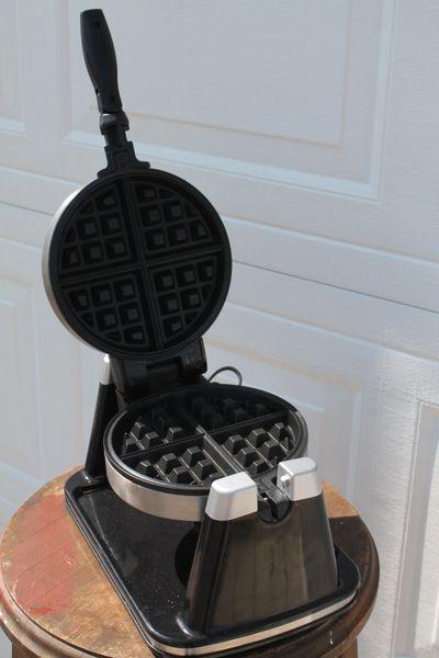 Bella Rotating Waffle Maker-1207