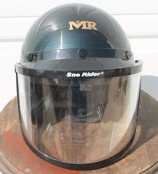 MR Helmet w./Flip Up Snow RiderVisor