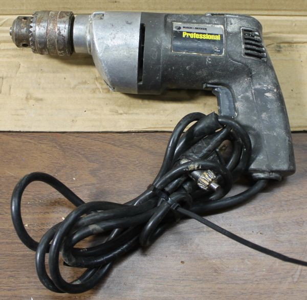 "Black and Decker Professional Electric 1/2"" Holgun Drill"