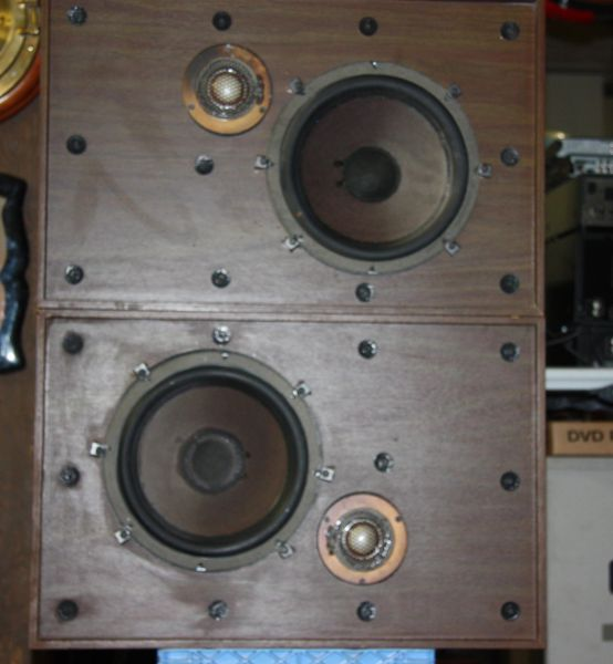 Vintage Sylvania Air Suspension Speaker System