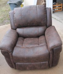 Power Recliner with Heat and Massage-Like New