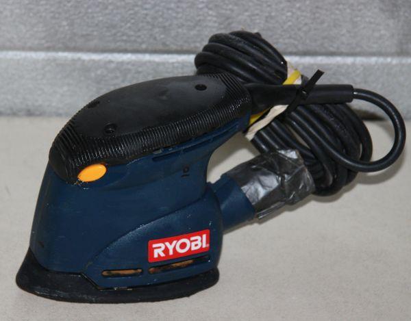 Ryobi CFS1502 Palm Sander