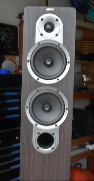 Jamo 426 Tower Speakers