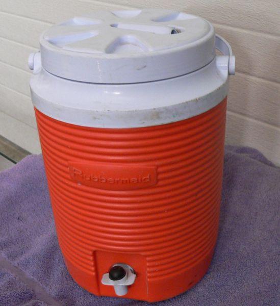 Rubbermaid Beverage Cooler Jug
