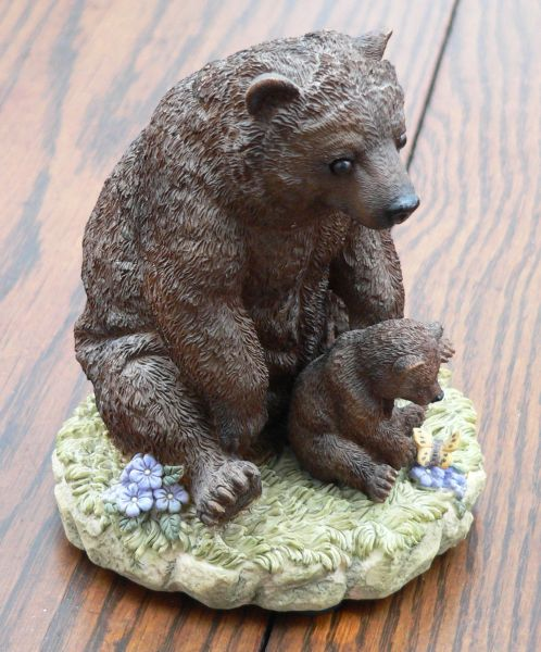 Grizzly Mama and Cub Figurine