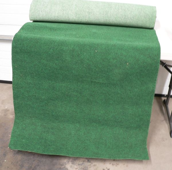 Roll of Green Indoor/Outdoor Carpet-Like New