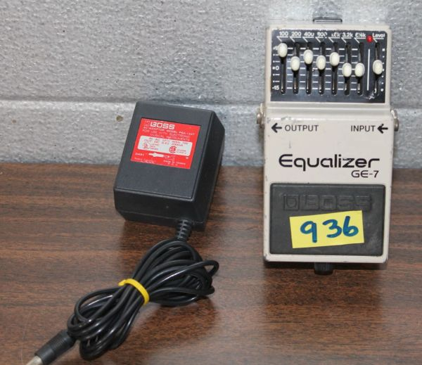 Boss GE-7 Equilizer Guitar Pedal w. AC Adapter
