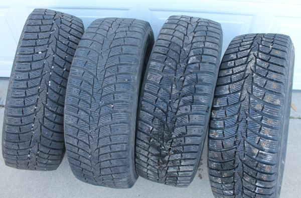 Laufenn Fit Ice 225/60 R16 Winter Tires