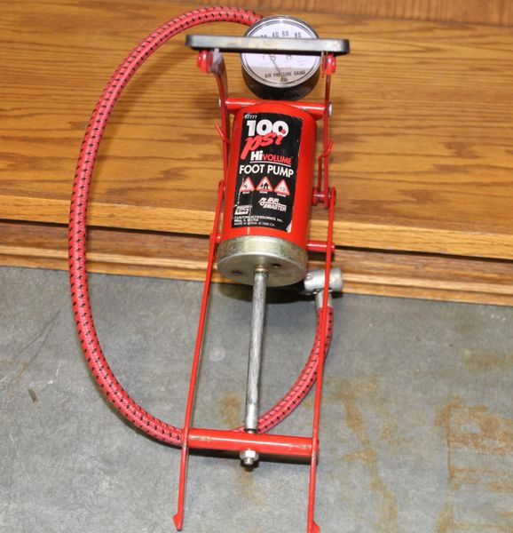 100 PSI Hi Volume Foot Pump