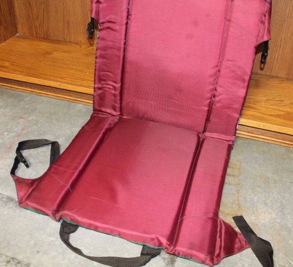 Maroon/Green Nylon Padded Seat Cushion