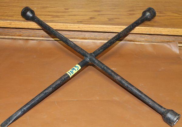 "Black 19 1/2"" 4-Way Lug Wrench"