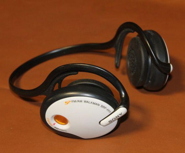Sony S2 FM/AM SRF-H11 Mega Bass Headphones
